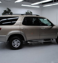 toyota sequoia 2004 beige suv sr5 gasoline 8 cylinders rear wheel drive automatic 91731