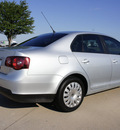 volkswagen jetta 2009 silver sedan s gasoline 5 cylinders front wheel drive automatic 76018