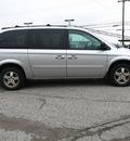dodge grand caravan 2005 silver van sxt gasoline 6 cylinders front wheel drive automatic 45840