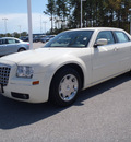chrysler 300 2006 white sedan gasoline 6 cylinders rear wheel drive automatic 28557