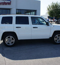 jeep patriot 2009 white suv sport gasoline 4 cylinders 4 wheel drive automatic 46168