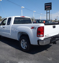 gmc sierra 1500 2011 white sle flex fuel 8 cylinders 4 wheel drive automatic with overdrive 28557