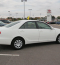 toyota camry 2006 white sedan le gasoline 4 cylinders front wheel drive automatic 56001