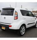 kia soul 2010 white hatchback soul! gasoline 4 cylinders front wheel drive 5 speed manual 99336
