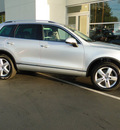 volkswagen touareg 2012 cool silver suv tdi lux diesel 6 cylinders all whee drive automatic 98226