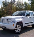 jeep liberty 2012 white suv sport gasoline 6 cylinders 4 wheel drive not specified 44024