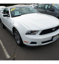 ford mustang 2010 white v6 premium gasoline 6 cylinders rear wheel drive automatic with overdrive 08902