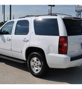 chevrolet tahoe 2010 white suv lt flex fuel 8 cylinders 2 wheel drive 6 speed automatic 77090