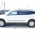 chevrolet traverse 2012 silver suv ls gasoline 6 cylinders front wheel drive automatic 77090