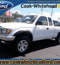 toyota tacoma 2003 white v6 gasoline 6 cylinders 4 wheel drive 5 speed manual 32401