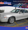 lincoln town car 2004 beige sedan ultimate gasoline 8 cylinders rear wheel drive automatic 34474