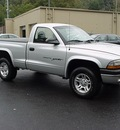 dodge dakota 2001 silver pickup truck sport 4x4 gasoline 6 cylinders 4 wheel drive automatic 06019