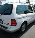 ford windstar 1998 white van lx gasoline v6 front wheel drive automatic 92882