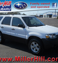 ford escape 2006 white suv xlt gasoline 6 cylinders all whee drive automatic with overdrive 55811