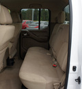 nissan frontier 2007 white se 2wd gasoline 6 cylinders rear wheel drive automatic with overdrive 98371