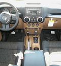 jeep wrangler 2012 green suv unlimited rubic gasoline 6 cylinders 4 wheel drive automatic 81212
