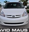 toyota sienna 2010 white van xle gasoline 6 cylinders front wheel drive automatic 32771