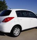 nissan versa 2010 white hatchback gasoline 4 cylinders front wheel drive automatic with overdrive 76018
