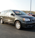 chrysler town and country 2011 gray van touring flex fuel 6 cylinders front wheel drive 6 speed automatic 60915