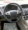 ford focus 2012 red hatchback se gasoline 4 cylinders front wheel drive 6 speed automatic 62863