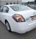 nissan altima 2012 white sedan gasoline 4 cylinders front wheel drive not specified 46219