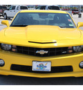 chevrolet camaro 2010 yellow coupe ss gasoline 8 cylinders rear wheel drive automatic 77388