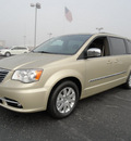 chrysler town and country 2012 white gld van touring l flex fuel 6 cylinders front wheel drive shiftable automatic 60915