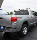 toyota tundra 2007 gray sr5 gasoline 8 cylinders 4 wheel drive automatic 07701