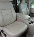 ford expedition 2004 white suv xlt gasoline 8 cylinders 4 wheel drive automatic 45344