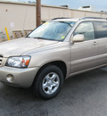 toyota highlander 2004 gold suv gasoline 4 cylinders front wheel drive automatic with overdrive 45840