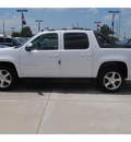 chevrolet avalanche 2011 white lt flex fuel 8 cylinders 2 wheel drive 6 spd auto 77090