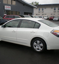 nissan altima 2008 white sedan gasoline 4 cylinders front wheel drive automatic 13212