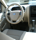 ford explorer 2006 silver suv xls gasoline 6 cylinders 4 wheel drive automatic with overdrive 13212