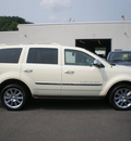 chrysler aspen 2007 white suv limited gasoline 8 cylinders 4 wheel drive automatic 13502