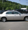 lincoln town car 2002 tan sedan signature gasoline 8 cylinders rear wheel drive automatic with overdrive 13502