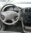 dodge grand caravan 2005 gold van sxt gasoline 6 cylinders front wheel drive automatic 13502