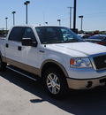 ford f 150 2006 white lariat gasoline 8 cylinders rear wheel drive automatic with overdrive 76087