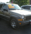 jeep liberty 2006 tan suv sport gasoline 6 cylinders 4 wheel drive automatic with overdrive 13502