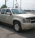 chevrolet avalanche 2007 beige suv flex fuel 8 cylinders 4 wheel drive automatic 13502