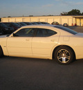 dodge charger 2006 white sedan rt gasoline 8 cylinders rear wheel drive autostick 62863