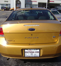 ford focus 2009 gold sedan se gasoline 4 cylinders front wheel drive automatic 60443