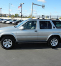 nissan pathfinder 2002 silver suv le 4wd gasoline 6 cylinders 4 wheel drive automatic 55420