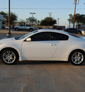 nissan altima 2008 white coupe 3 5 se gasoline 6 cylinders front wheel drive shiftable automatic 75228