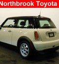 mini cooper 2005 off white hatchback gasoline 4 cylinders front wheel drive automatic 60062