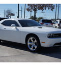 dodge challenger 2011 white coupe r t gasoline 8 cylinders rear wheel drive 6 speed manual 77090