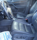 volkswagen jetta 2005 gray sedan 2 5 gasoline 5 cylinders front wheel drive automatic 34474