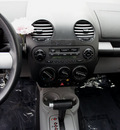 volkswagen new beetle 2002 dk  gray coupe gls gasoline 4 cylinders front wheel drive automatic 98371