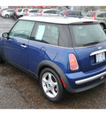 mini cooper 2004 blue hatchback gasoline 4 cylinders front wheel drive 5 speed manual 98632