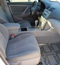 toyota camry 2009 white sedan le gasoline 4 cylinders front wheel drive automatic 75228