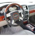 chrysler 300 2005 white sedan c gasoline 8 cylinders rear wheel drive automatic 77388